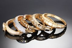 Oživte outfit vhodnými doplnkami..  http://wink.sk/beauty/fashion/ozivte-outfit-vhodnymi-doplnkami.aspx