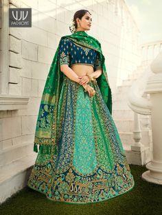 Rs11,700.00 Banarasi Lehenga, Lehenga Skirt, Green Lehenga, Silk Dupatta, Indian Wedding Lehenga, Bridal Lehenga Choli, Ghagra Choli, Wedding Sarees, Ethnic Sarees