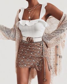 Wonderful Outfits & Popular Looks For Ideal Girls - Women's fashion 2020 Outfit Chic, Chic Outfits, Girl Outfits, Fashion Outfits, Womens Fashion, Dress Outfits, Fashion Ideas, Fashion Tips, White Summer Outfits