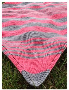 Beautiful idea for colors for a baby blanket.