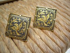 Vintage Toledo Spain Damascene etched square earrings by Andraliz, $54.00