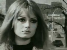 Şükran Ay - Kalbimi Kıra Kıra (from the movie Vesikalı Yarim, 1968)