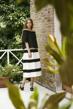Black and white optical skirt from Spring Summer Collection 2016 by #Compagnia Italiana.