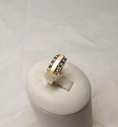 17,8 mm Ring Gold 585 Kristallsteine klar & blau Vintage edel matt glänzendes Design GR619 Ringe Gold, Gold Rings, Wedding Rings, Engagement Rings, Vintage, Jewelry, Design, Crystals, Craft Gifts