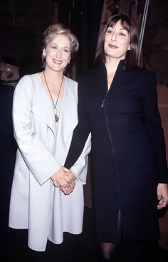 Meryl Streep and Angelica Huston Meryl Streep, Anjelica Huston Movies, Mamie Gummer, Kathleen Turner, Stars Then And Now, Advanced Style, Great Films, Celebs, Celebrities