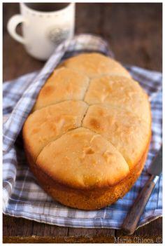 Brioche au miel et à la fleur d'oranger ( Recette au Roaster ) Confort Food, Crumpets, Let Them Eat Cake, Cinnamon Rolls, Fun Desserts, Scones, Cornbread, Donuts, The Cure