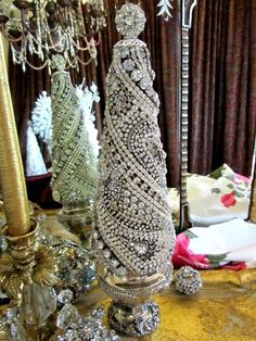Statuesque! Vtg SOLID RHINESTONE JEWELRY CONE CHRISTMAS TREE No Frame in Jewelry & Watches, Vintage & Antique Jewelry, Costume | eBay