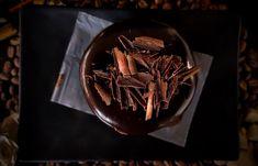 Chocolate Cups (aka Truffle in a Cup) White Chocolate Recipes, Chocolate Cups, Vegan Chocolate, Craving Chocolate, Sin Gluten, Chocolate Fundido, Vegan Caramel, Good Food, Yummy Food