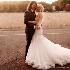 Unique Country Western Mermaid Wedding Dresses 2016 Lace Applique Beaded Bodice Rustic Bridal Gowns with Long Train Vestido De Noiva Mermaid Wedding Dresses Bridal Gowns 2016 Mermaid Dress Online with $269.71/Piece on Yahuifang2016's Store   DHgate.com