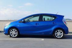 2020 Toyota Prius Car Review Pinterest