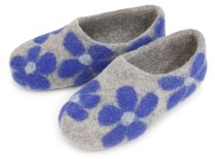 Felt slippers. 100% wool. Coarse felt when worn actively massages the foot, which has a lot of acupuncture points connected with virtually all human organs.Massage also promotes blood circulation and, consequently, blood vessels dilate, metabolism and healing processes in tissues are activated.