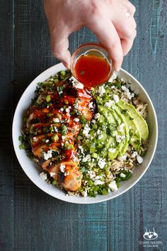With just a handful of ingredients and minimal prep, this Grilled Honey Sriracha Chicken Rice Bowl is beyond flavorful and surprisingly healthy! Lunch Recipes, Cooking Recipes, Healthy Recipes, Cooking Tips, Enjoy Your Meal, Honey Sriracha Chicken, Chicken Rice Bowls, Chicken Salad, Clean Eating