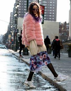 #StreetStyle : New York voit la vie en rose. Retrouvez tous les looks de #NYFW