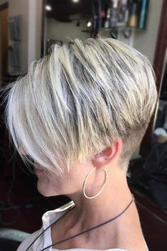Superb Short Hair with Side Bangs Modern Bowl Cut Hair Edgy Red Bob Short Ombre Hair With Bangs Timeless Short Bob With Bangs Easy-To-Wear Short Shag Mom Haircuts, Short Wavy Haircuts, Short Hairstyles For Women, Hairstyles With Bangs, Cool Hairstyles, Hairstyle Ideas, Very Short Hair, Short Hair With Bangs, Short Hair Cuts