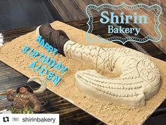 "8 Likes, 1 Comments - Burbank, CA (@fantasiafondant) on Instagram: ""Fun Cake for a Birthday Boy by @shirinbakery Maui cake, Moana @fantasiafondant just keep doing what…"""
