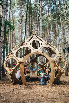 New Ideas music festival decorations electric forest Forest Festival, Festival Camping, Psychedelic Decor, Electric Forest, Electric Daisy, Dome House, Raves, Festival Decorations, Stage Design