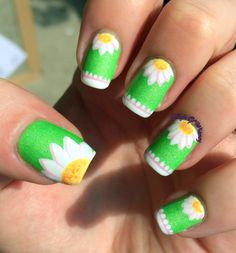 Inspiration on Daisy Daisy by Eva Klinman. Check out more Nails on Bellashoot. Luv Nails, Daisy Nails, Bling Nails, Sunflower Nail Art, Crazy Nail Art, Nailart, Cute Nail Art Designs, Finger Nail Art, Spring Nail Art