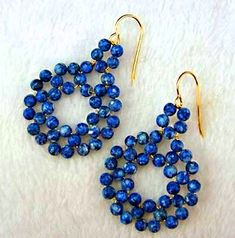 DIY Beaded Circle Earrings by Carol Ladine - Photos and instructions on site. Just need beading wire and beads! Seed Bead Earrings, Circle Earrings, Beaded Earrings, Beaded Jewelry, Handmade Jewelry, Hoop Earrings, Jewellery, Stud Earring, Earring Tutorial
