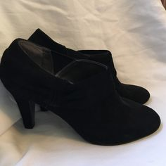 Eli Tahari black suede booties Eli Tahari black suede booties size 9. Make me an offer! I love to bundle! Few small scuffs in suede but they are hard to see since its black. Elie Tahari Shoes Ankle Boots & Booties