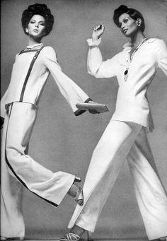 Vogue Editorial May 1974 - Laura Alverez & Beverly Johnson by Francesco Scavullo