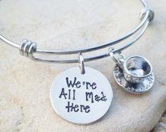 Artículos similares a Brazalete - pulsera - joyas - Disney - brazalete Disney - enredado - vive tus sueños - regalo - Disney joyas - estampada - la mano de regalo para ella en Etsy