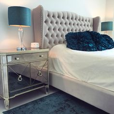 Voila! @stephaniebrown9's dream bedroom is complete with our Borghese Mirrored Side Chest.