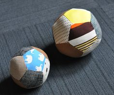 and other silly things: pentagon colorful fabric balls... tutorial