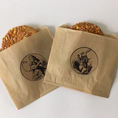 Dress up the cookie bar at your Alice in Wonderland party with these Kraft cookie bags and matching stickers
