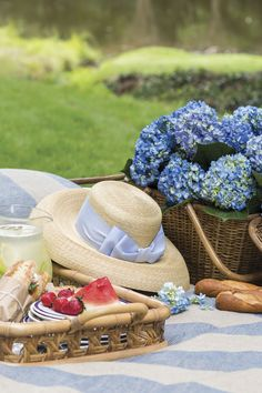 Annapolis Royal, Picnic Menu, Victoria Magazine, French Country Cottage, Country Cottages, Blue Hydrangea, Hydrangeas, Little Brown, Summer Picnic