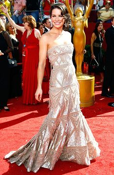 Evangeline Lilly shines in an Elie Saab gown with Kwiat jewels at the 2008 Emmy Awards