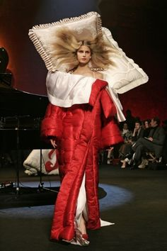 Viktor & Rolf, Bedtime Stories Dress, 2005.  Is it me, or is this an incredibly bad idea!
