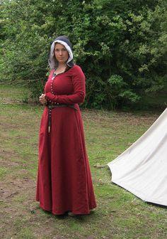 Red woollen kirtle by The Midgard Seamstress, via Flickr