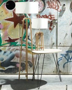 Minimal modern design combined with natural materials make this a striking yet adaptable floor lamp.