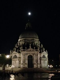 Moon. TBR ph.