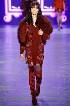 See the complete Anna Sui Fall 2016 Ready-to-Wear collection.