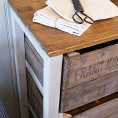Vintage Fruit Crate Storage Unit - Folksy - not necessarily DIY, but possible to make yourself Crate Bench, Crate Shelves, Crate Storage, Diy Storage, Wooden Crates Garden, Wood Crates, Vintage Crates, Vintage Man, Apple Crates