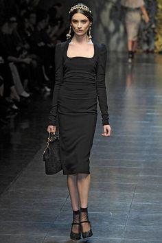 Dolce & Gabbana Fall 2012 -- great neckline!