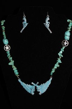 Texas Angel Necklace & Earrings - $14.00 : Southern Sass, Home for all of your country accessories
