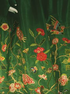 fashioninhistory:  Petticoat  1720  The petticoat, which corresponds to a skirt in a present item, reflected a Chinese influence.