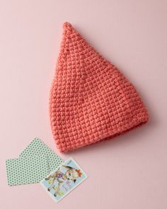 Cone hat pattern. Maybe you could make this a little chocolate Hershey Kiss hat?