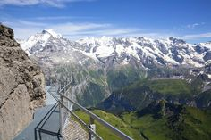 Thrill Walk combines jaw-dropping views with lots of adrenaline © Markus Zimmermann