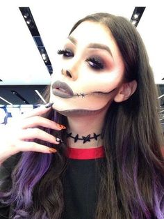 Drop DEAD gorge by Yorkdale. Upload your Halloween selfie on Sephora's Beauty Insider Community for a chance to be featured!