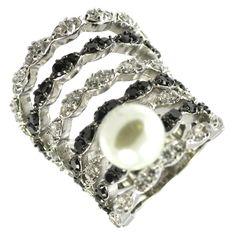 Pearl in Black & White Ring Size: 9 JR4677