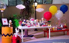 Festa linda com tema Snoopy, amei! Por @silviaroverieventos #kikidsparty