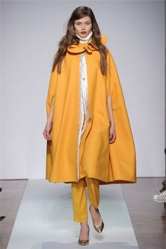 Normaluisa - Collections Fall Winter - Shows - Vogue. Look London Night Out, Fall Winter, Autumn, Yellow Fashion, Eye Candy, Ready To Wear, Saint Laurent, Duster Coat, Raincoat