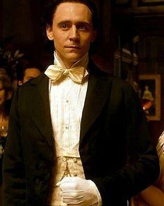 Tom Hiddleston as Sir Thomas Sharpe in Crimson Peak Thomas William Hiddleston, Tom Hiddleston Loki, Thomas Sharpe, James Norton, Crimson Peak, Richard Madden, Shall We Dance, Romance, Lily James