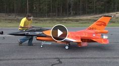 1:4 scale F-16. Generic-Fly plane. Four Booster 160+ turbines!!! Maiden flight...