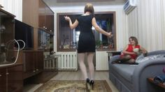 Dancing-Butts: Jelena tanzt in Pumps und Strümpfen (Dancing in High-Heel...