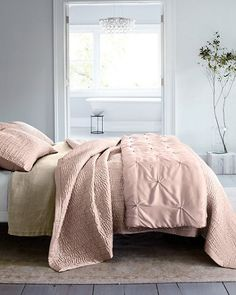 Lightweight, lustrous and luxurious against the skin, this pure-silk comforter by Eileen Fisher is simply irresistible. Whether it's your one-and-only summer cover or layered with other bedding for cooler weather, its touch is irresistible.