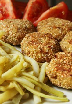 QuchniaWege: Kotlety z kaszy jaglanej i selera (wegańskie)